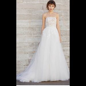 Amsale ellis strapless lace and tulle wedding gown